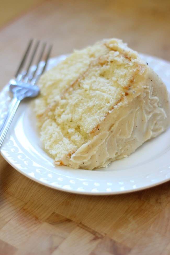 brownbuttercreamcheesefrosting_cakeslice
