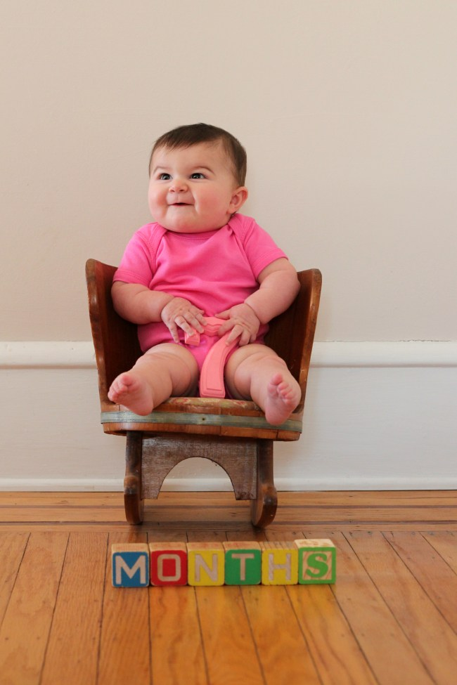 carmendy-7-months-photo-progression-evil-baby-blooper
