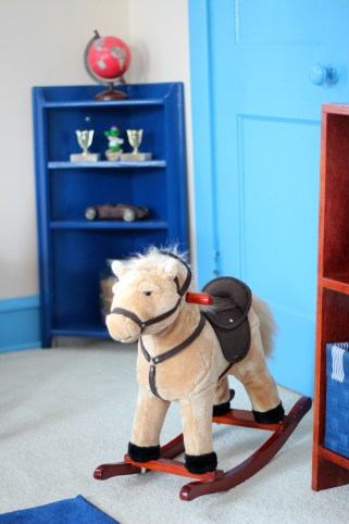 rocking-horse-shelf