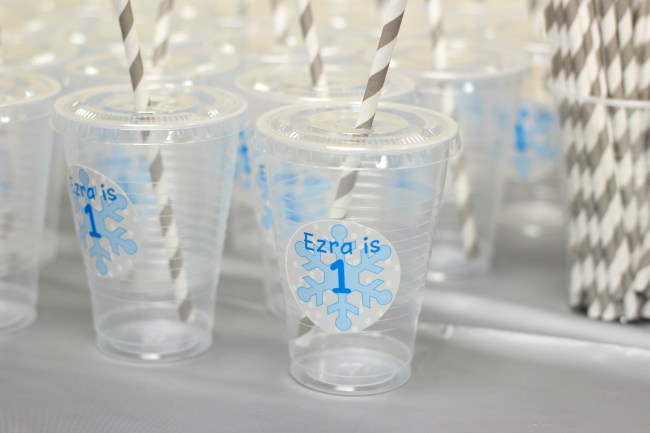 first-birthday-snow-theme-drink-cups