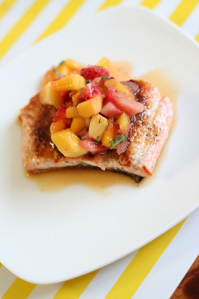Seared Tropical Salmon with Mango Salsa Recipe
