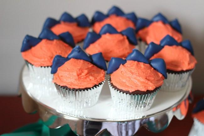 dinosaur spike cupcakes