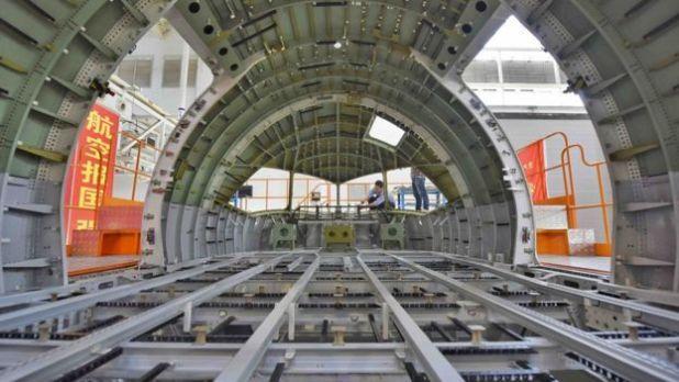 Chiếc C919 trong quá trình chế tạo