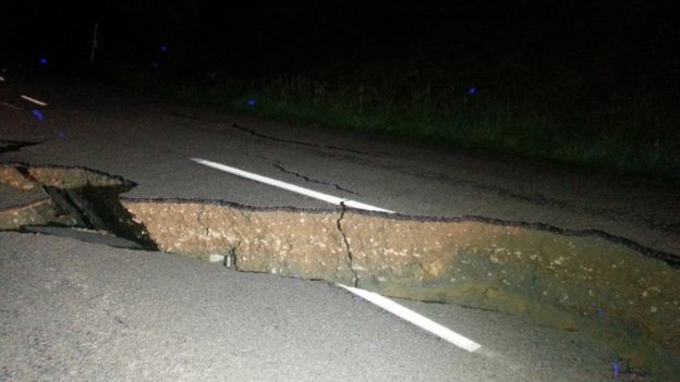 A picture of a large fissure running along Kaikoura Road about two hours north of Christchurch
