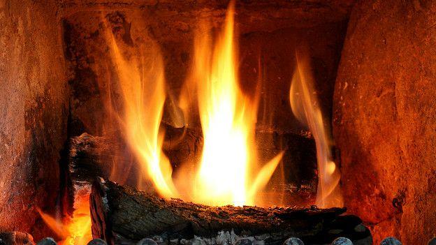Leña quemándose