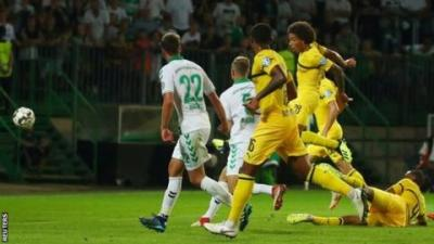 Axel Witsel saves Borussia Dortmund on debut in German Cup - BBC Sport
