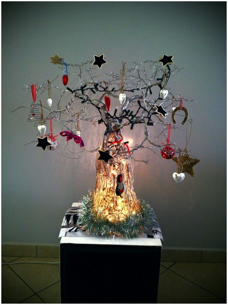 wire-christmas-tree