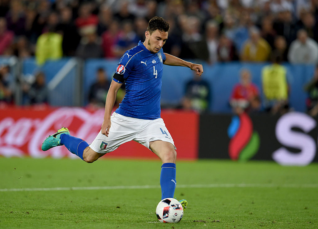 BORDEAUX, FRANCE - JULY 02:  Matteo Darmian of Italy misses during the penalty shoot out following the UEFA Euro 2016 Quarter Final match between Germany and Italy at Stade Matmut Atlantique on July 2, 2016 in Bordeaux, France.  (Photo by Claudio Villa/Getty Images)