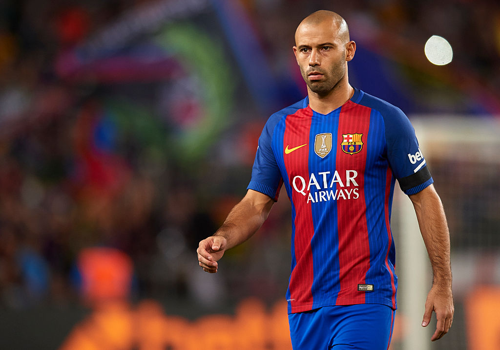 BARCELONA, SPAIN - SEPTEMBER 21:  Javier Mascherano of FC Barcelona looks on during the La Liga match between FC Barcelona and Atletico de Madrid at Camp Nou stadium on September 21, 2016 in Barcelona, Spain.  (Photo by Manuel Queimadelos Alonso/Getty Images)