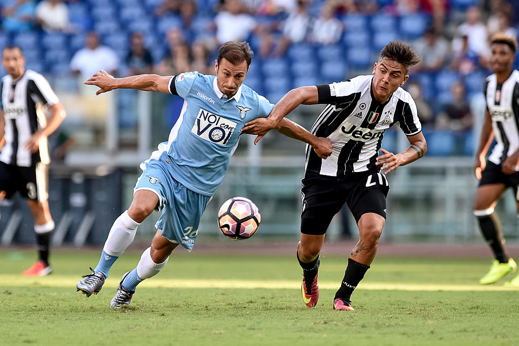 Stefan Radu of Lazio and Paulo Dybala of Juventus fight for the ball during the Serie A match between Lazio v Juventus on August 27, 2016 in Rome, Italy.  (Photo by Giuseppe Maffia/NurPhoto via Getty Images)