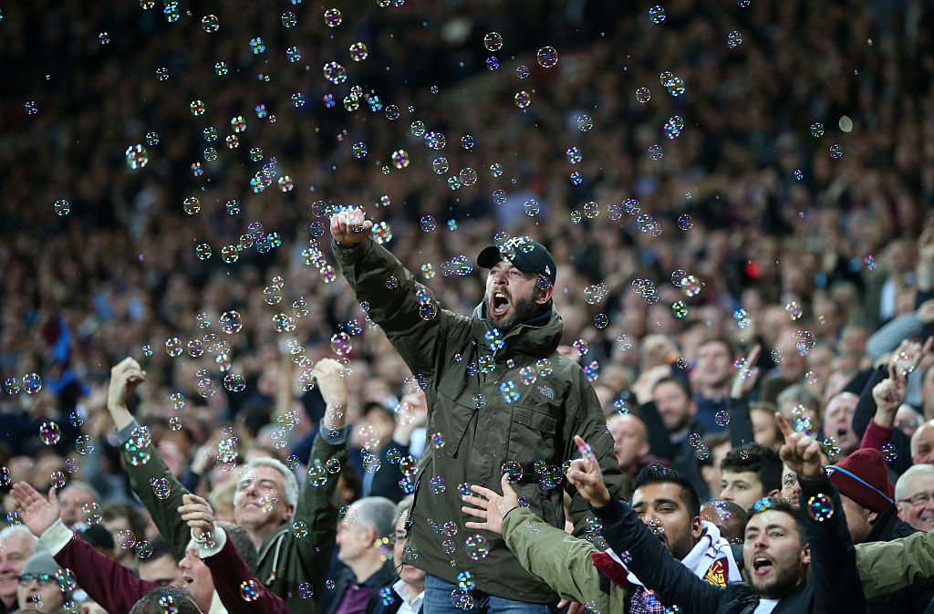 LONDON, ENGLAND - OCTOBER 26: West Ham fans during the EFL Cup fourth round match between West Ham and Chelsea at The London Stadium on October 26, 2016 in London, England. (Photo by Catherine Ivill - AMA/Getty Images)