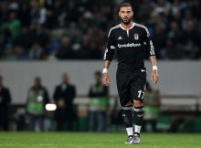 LISBON, PORTUGAL - DECEMBER 10: Besiktas's midfielder Quaresma during the match between Sporting CP and Besiktas JK for UEFA Europe League: Group Round on December 10, 2015 in Lisbon, Portugal.  (Photo by Carlos Rodrigues/Getty Images)
