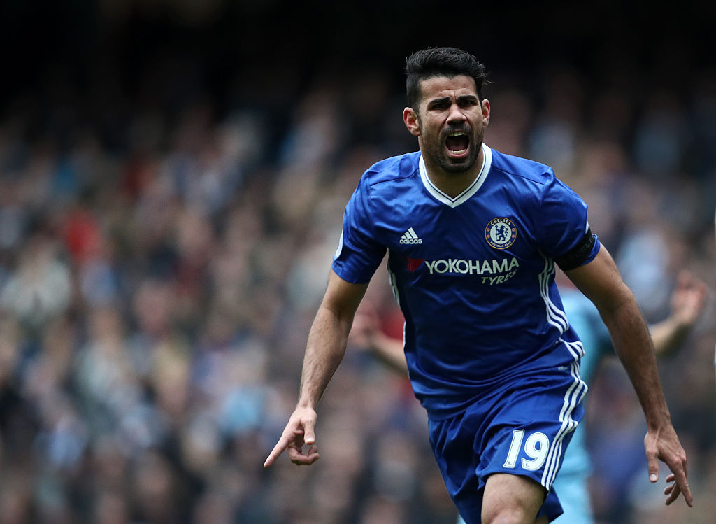MANCHESTER, ENGLAND - DECEMBER 03: Diego Costa of Chelsea celebrates after scoring a goal to make it 1-1 during the Premier League match between Manchester City and Chelsea at Etihad Stadium on December 3, 2016 in Manchester, England. (Photo by James Baylis - AMA/Getty Images)