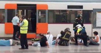 В результате аварии поезда в Барселоне более полусотни человек получили ранения