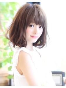 夏 ミディアム 髪型 女性、6