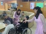 母の日に特養老人施設訪問