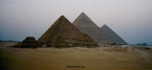 Yet ANOTHER picture of the Pyramids!