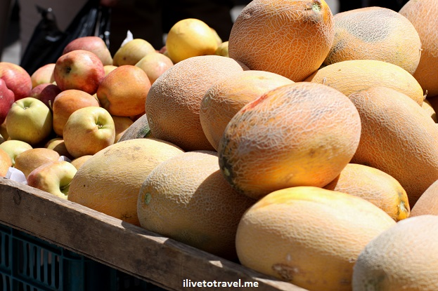 Fruits in the fruit stands in the market in Amman, Jordan Canon Rebel