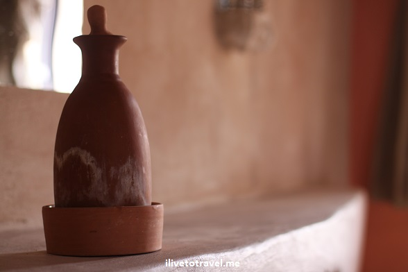 Earthen jar or pitcher in the Feynan Ecolodge - mineral watier