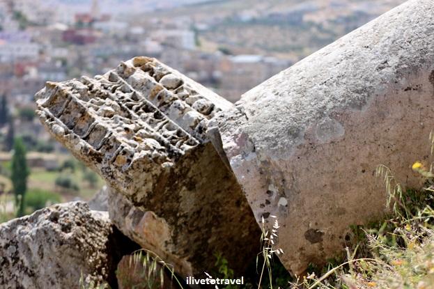 Fallen column Roman ruin history Jerash Jordan Canon EOS Rebel