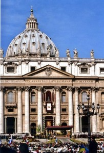 St. Peter's Basilica, Easter Mass, The Vatican, St. Peter's Square, faithful, travel, photo, religion