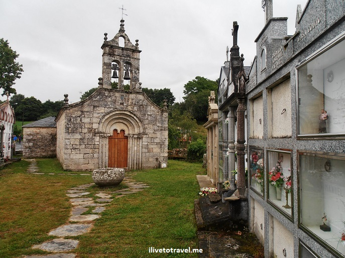 Ferrieros, Santa Maria church, Camino, French Way, Camino Frances, Santiago, trekking, architecture, cemetery, Olympus, photo, travel