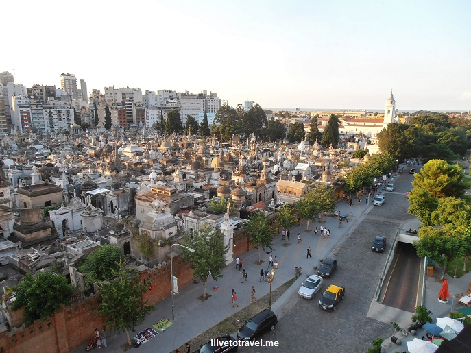 Buenos Aires, Recoleta, cemetery, Argentina, photo, travel, South America, church, architecture, history, Evita, Olympus