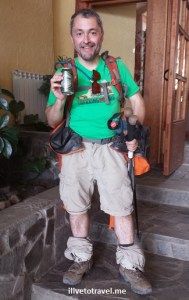 trekker, beer, hiking, Mirador Las Torres, Torres del Paine, Patagonia, Chile, Olympus, photo, trekking, travel