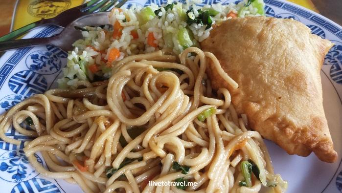 Nepal, Everest trek, food, fried noodles, travel, trekking, teahouse