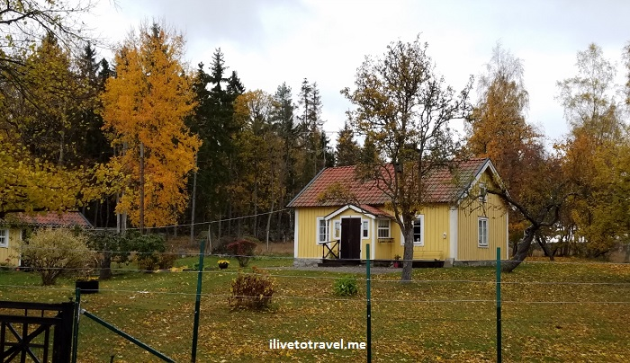 Sweden, countryside, cottage, yellow, travel, explore, Samsung Galaxy