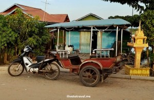 A real tuk tuk:  cart attached to motorcycle