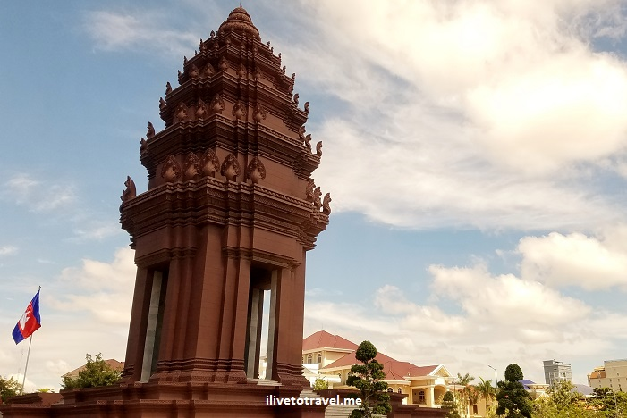 Cambodia, Phnom Penh, travel, adventure, explore, Independence Monument, photo, Samsung Galaxy S7