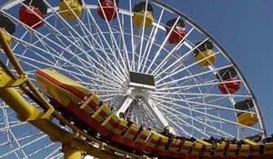 Santa Monica Pier - Rollercoaster & Ferris Wheel