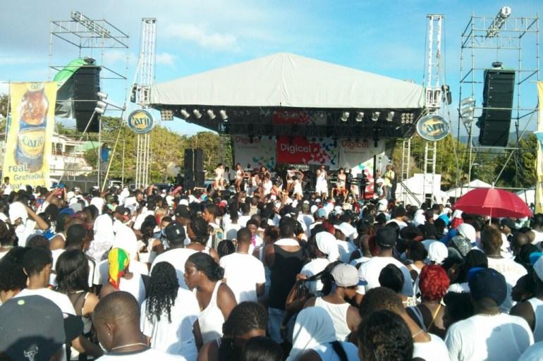 Carnival 4: Grenada, Moonlight in white!