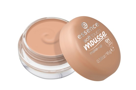 ess_soft_touch_mousse_make-up_01_open.jpg