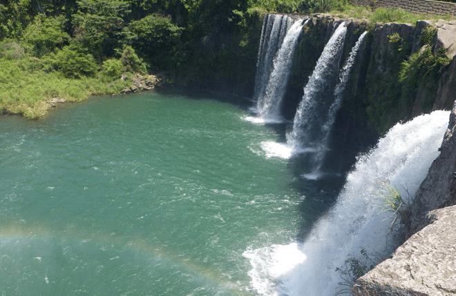 原尻の滝(はらじりのたき)
