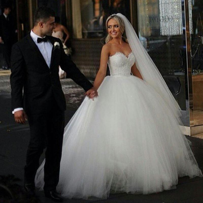Smothery 2015 Ball Gown Wedding Dresses Sweeart Corset Bridal Princess Gownsbeaded Bodice Fluffy Garden Cheap Wedding Dresses 2015 Polka Dot Weddingdress 2015 Ball Gown Wedding Dresses Sweeart Corset