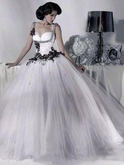 Salient Black Tulle Wedding Dresses 2018 Beaded Spaghetti Vintage Black Tulle Wedding Dresses 2018 Beaded Spaghetti Strapgothic Ball Gown Corset Halloween Vintage