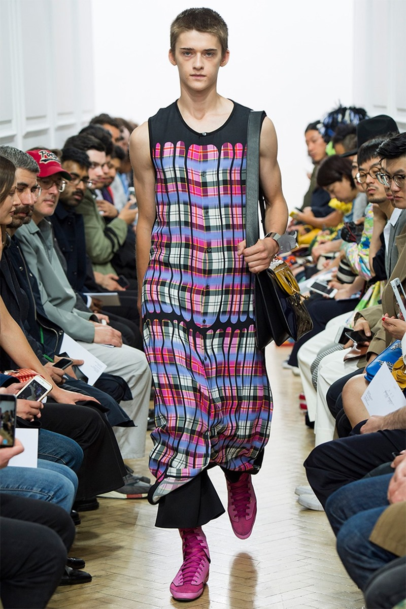 LONDON COLLECTIONS MEN J.W. Anderson Spring 2017. www.imageamplified.com, Image Amplified (4)