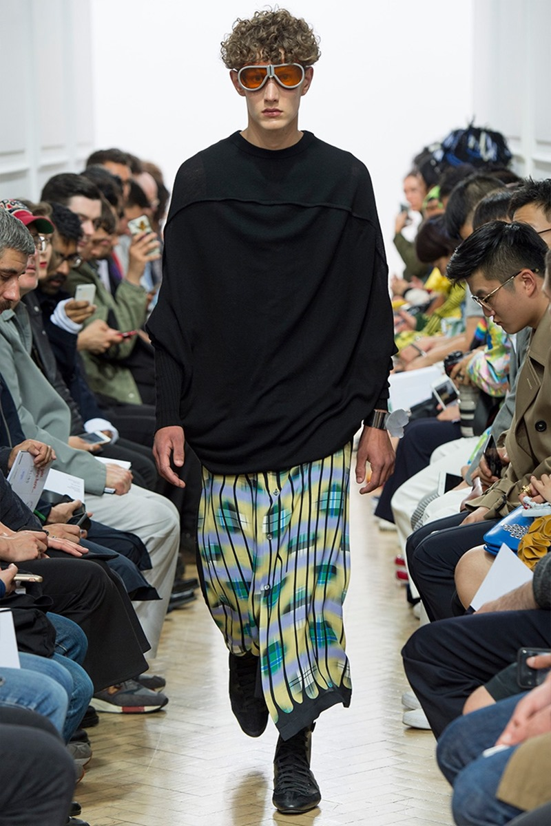 LONDON COLLECTIONS MEN J.W. Anderson Spring 2017. www.imageamplified.com, Image Amplified (42)