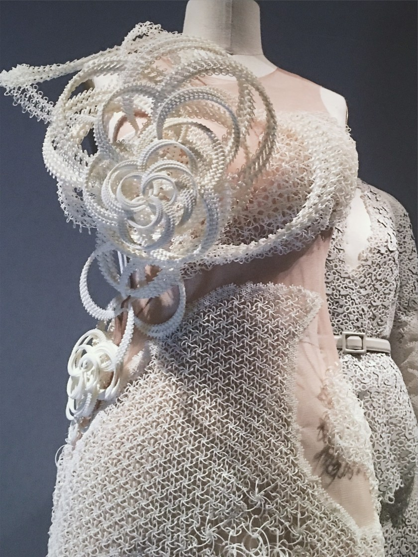 THAT CLOSER LOOK Manus X Machina at the Met by Troy Wise. Spring 2016, www.imageamplified.com, Image Amplified (25)