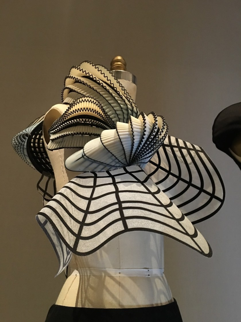THAT CLOSER LOOK Manus X Machina at the Met by Troy Wise. Spring 2016, www.imageamplified.com, Image Amplified (32)