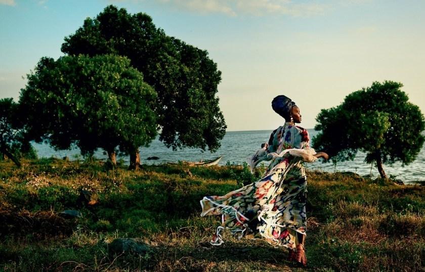 VOGUE MAGAZINE Lupita Nyong'o by Mario Testino. Tonne Goodman, October 2016, www.imageamplified.com, Image Amplified (2)
