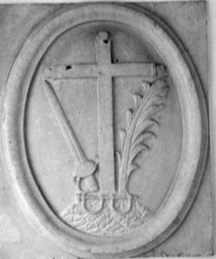 María Araceli Serrano Tenllado - Escudo original de la inquisición, ocupaba la fachada de la casa de don Martín Fernández de Bruselas en la calle San Pedro