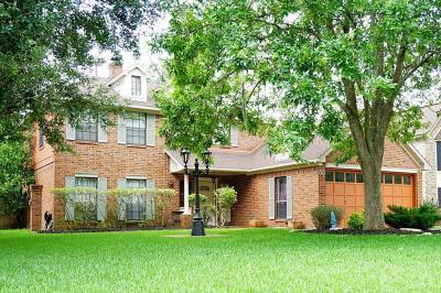 55 SWEETLEAF CT, LAKE JACKSON, TX — MLS# 10350607 — Coldwell Banker