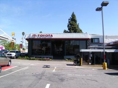 Toyota of Hollywood : Hollywood, CA 90028 Car Dealership, and Auto Financing - Autotrader