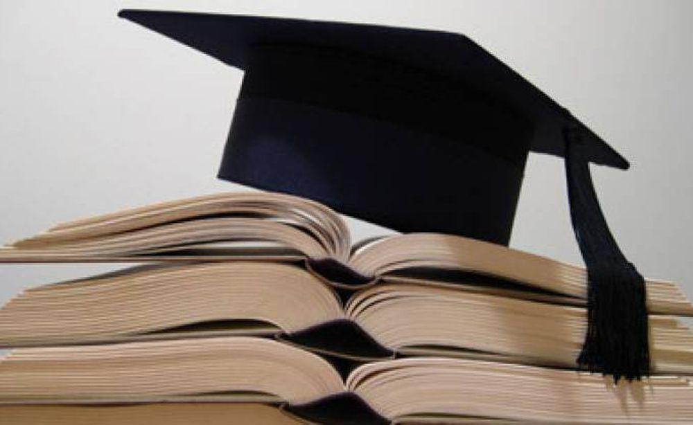 Bologna, studentessa invita parenti e amici alla laurea e scompare