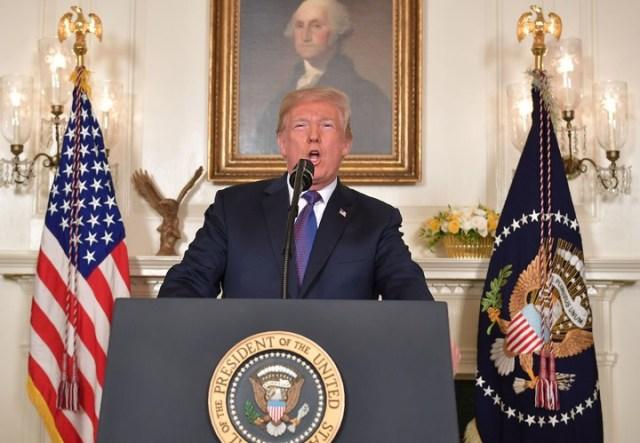 """Donald Trump se defendió de los """"medios de comunicación falaces"""" que han criticado que empleara la expresión """"misión conseguida"""". AFP"""