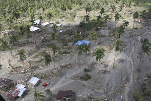 Typhoon kills nearly 350 in Philippines - CSMonitor.com
