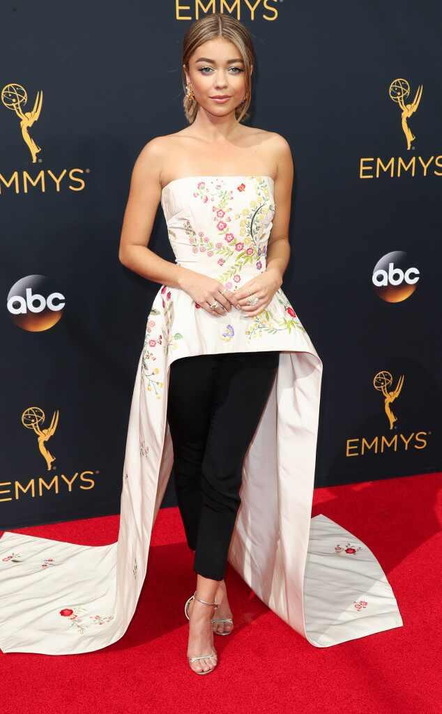 2016 Emmys Red Carpet Arrivals Sarah Hyland, 2016 Emmy Awards, Arrivals